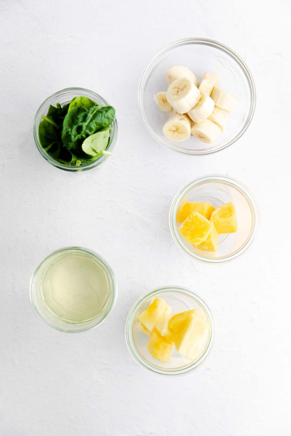 Ingredients needed to make a Green Smoothie Recipe