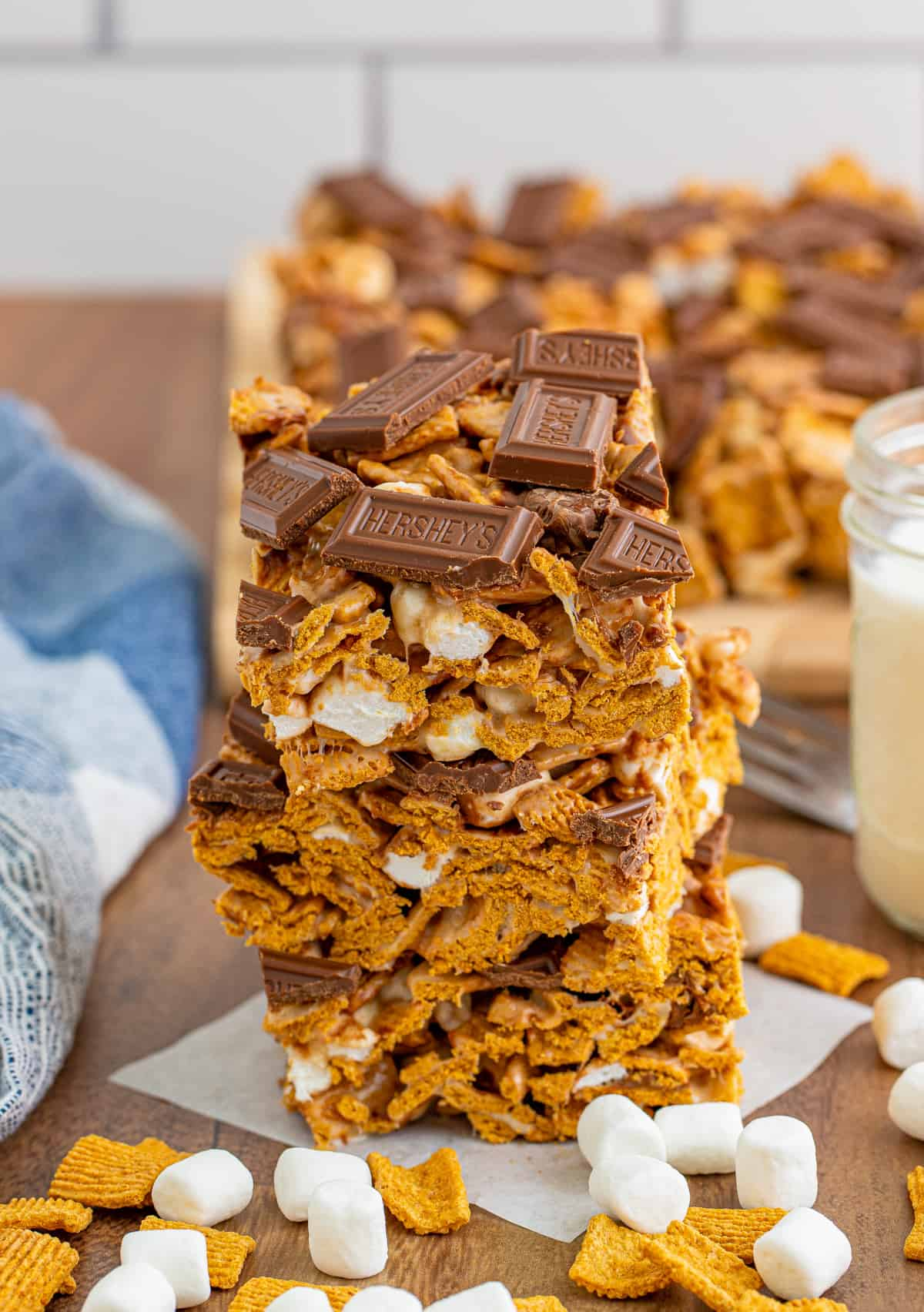 Three stacked bars showing chunks of marshmallow